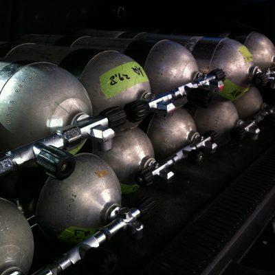 tanks in de auto