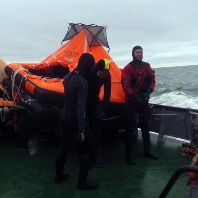 lifeboat aan boord van een boot